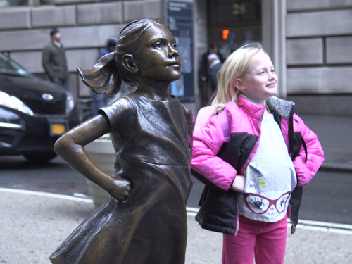 a-25-trillion-asset-manager-just-put-a-statue-of-a-defiant-girl-in-front-of-the-wall-street-bull