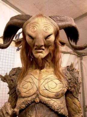 pans_labyrinth_faun_brought_to_life_at_the_movie_studio_640_25
